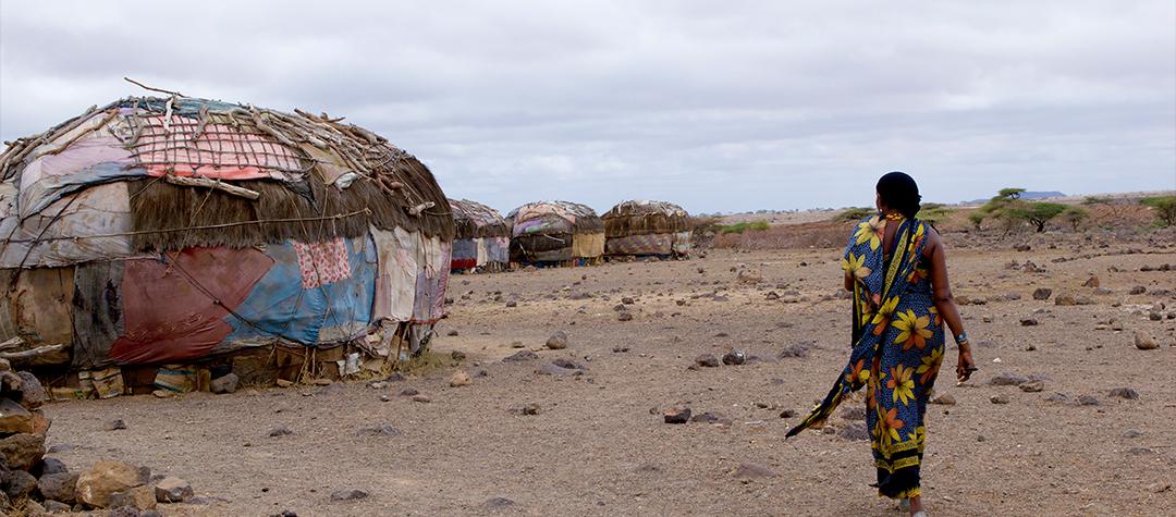 Kames familj bor i hyddor som liknar tält.