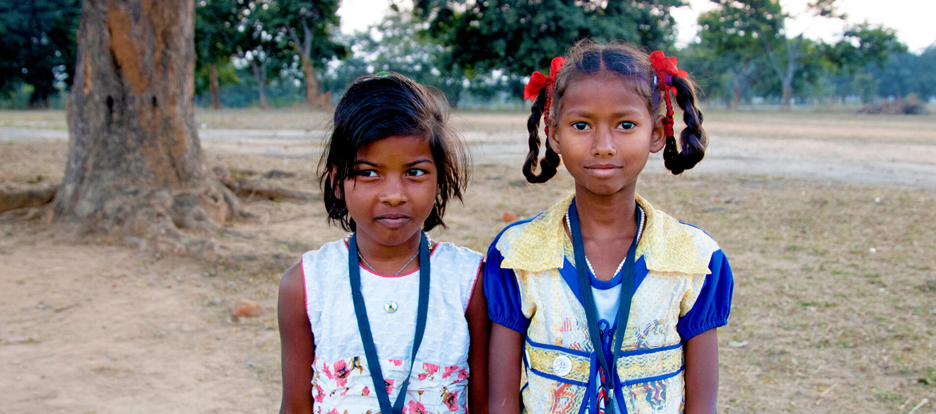 Roshni och Choti är med i ett barnparlament där de gör bra saker för andra barn och för sig själva.