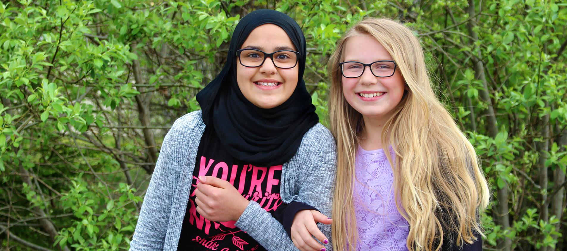 Sadaf och Emmalisa är bästisar