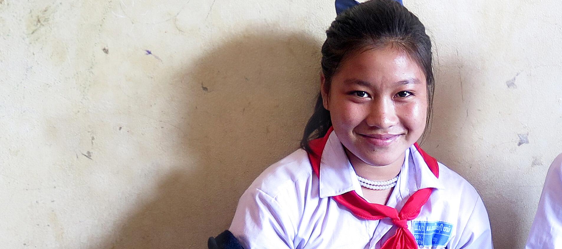 Sannos föräldrar behövde hjälp med jordbruket. Men Sannos morbror övertalade dem att låta Sanno flytta till staden för att fortsätta skolan.