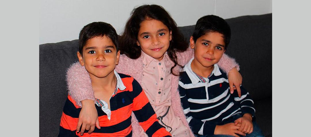 Bissan tillsammans med sina två yngre bröder.
