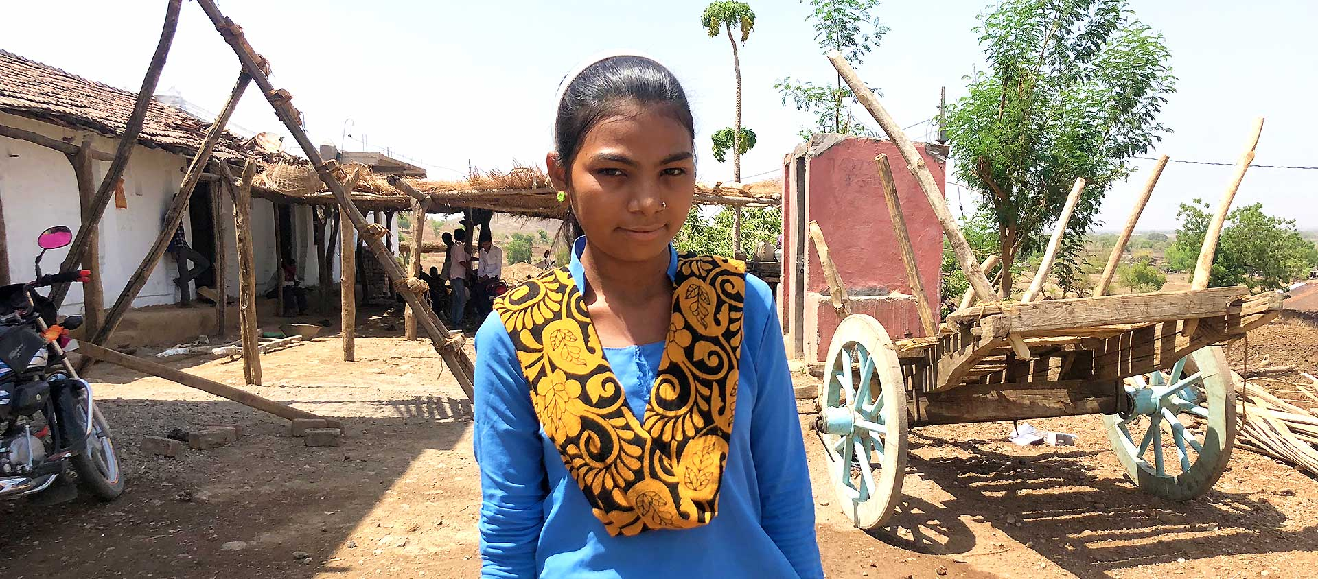 Rita är 12 år och bor i Indien. Hon sitter i byns barnparlament där barnen träffas för att lära sig att vara med och bestämma.