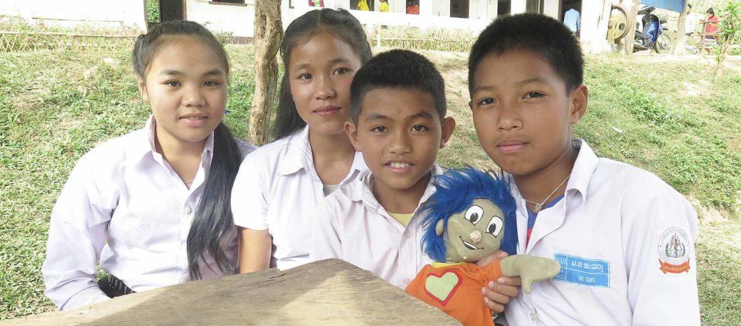 Rafiki med Nyaing och hennes klasskamrater
